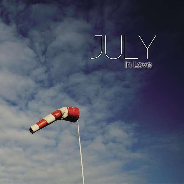 July《In Love》[CD级无损/44.1kHz/16bit]